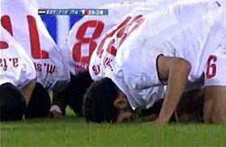 感謝するエジプト選手