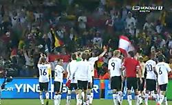 感謝するドイツ戦士達