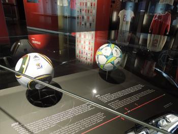 Adidasのボール